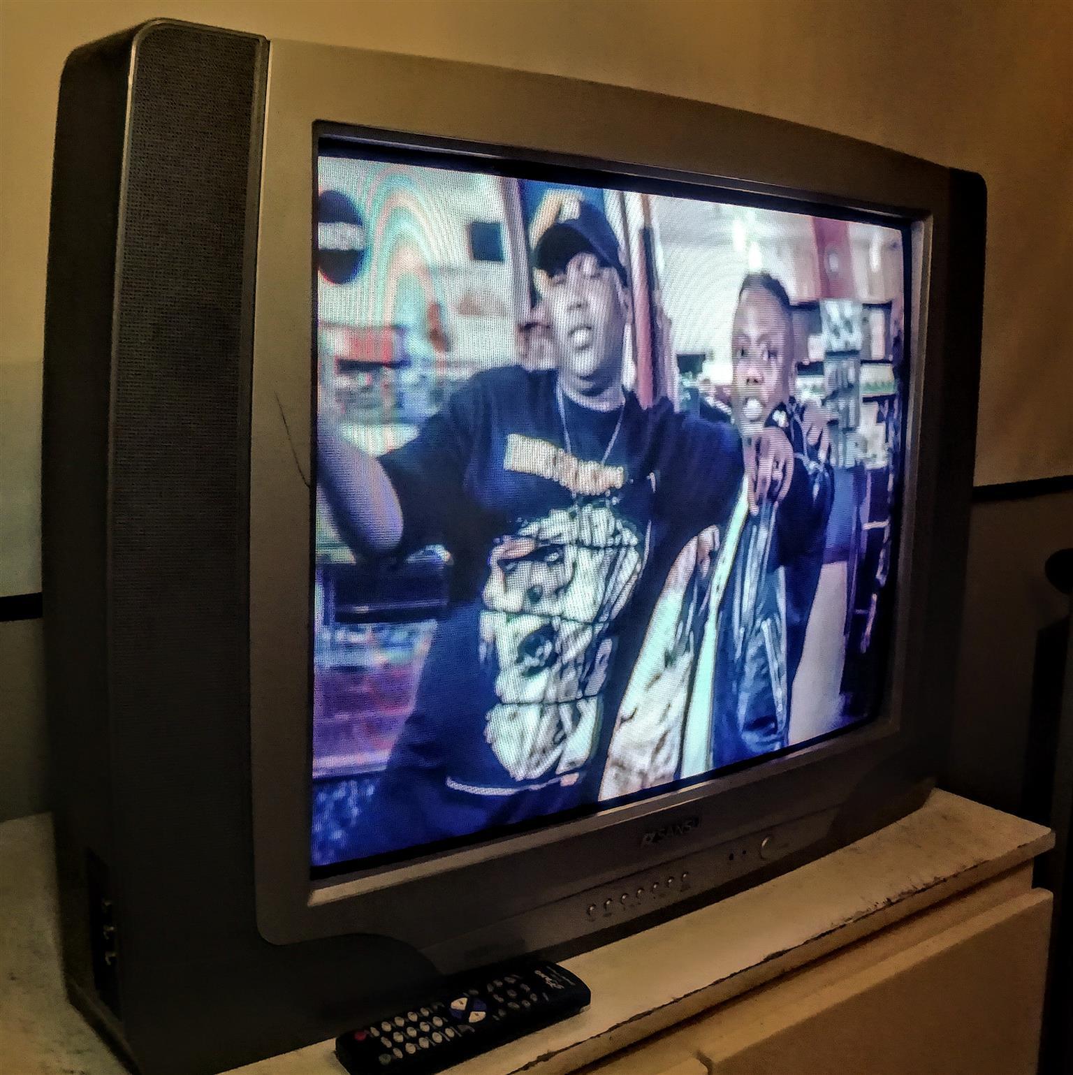 74 cm Sansui tv