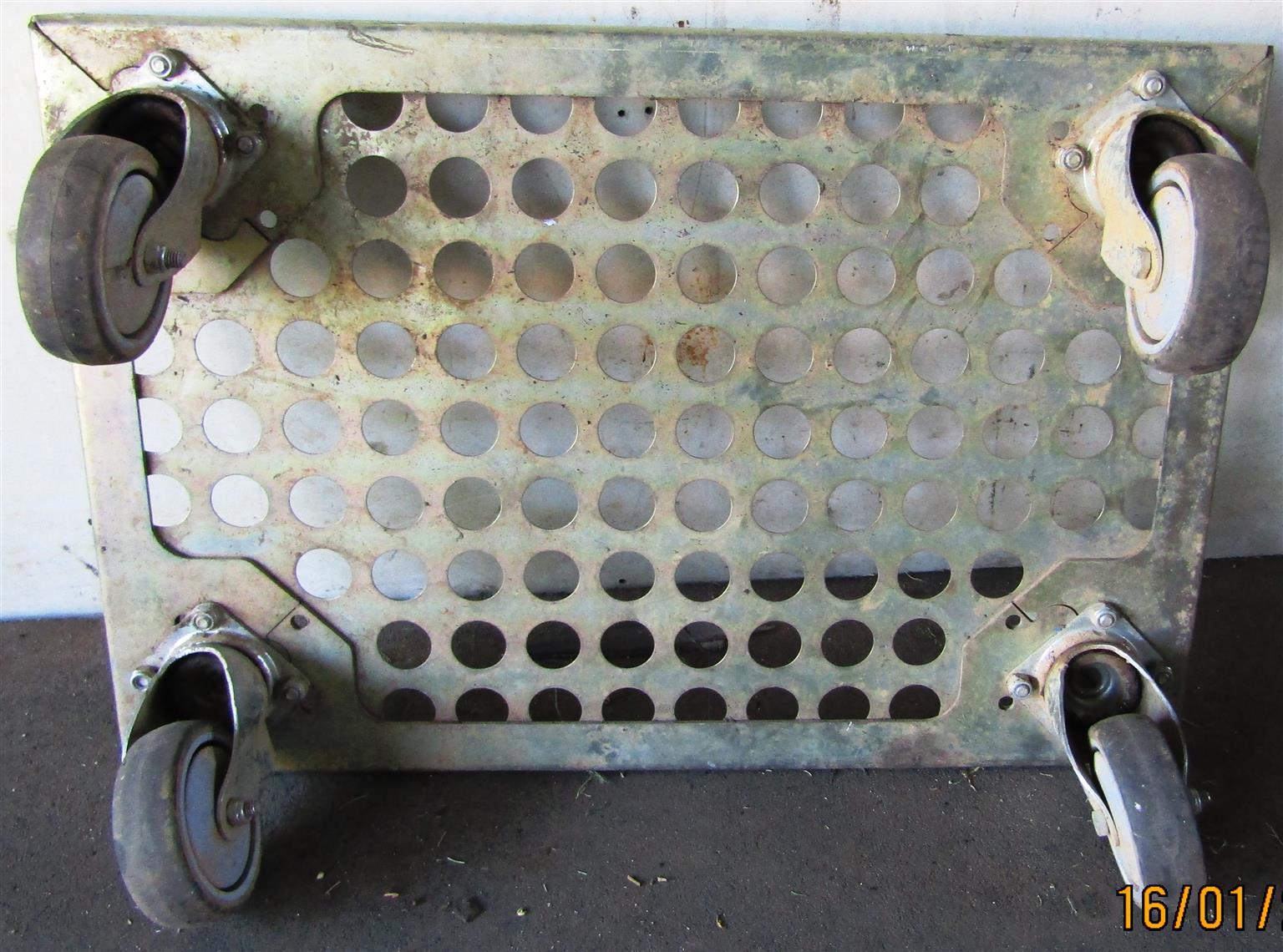 Shelf Scooter / Box Roller - 605mm x 405mm x 165mm