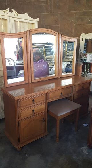Wooden Dresser With 3 Mirrors And Chair Junk Mail
