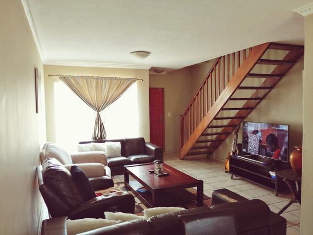 Three bedroom duplex for sale in DIe Hoewes