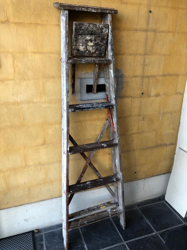 Vintage 6-Step Wooden Ladder for general use or as a deco item - with red detail