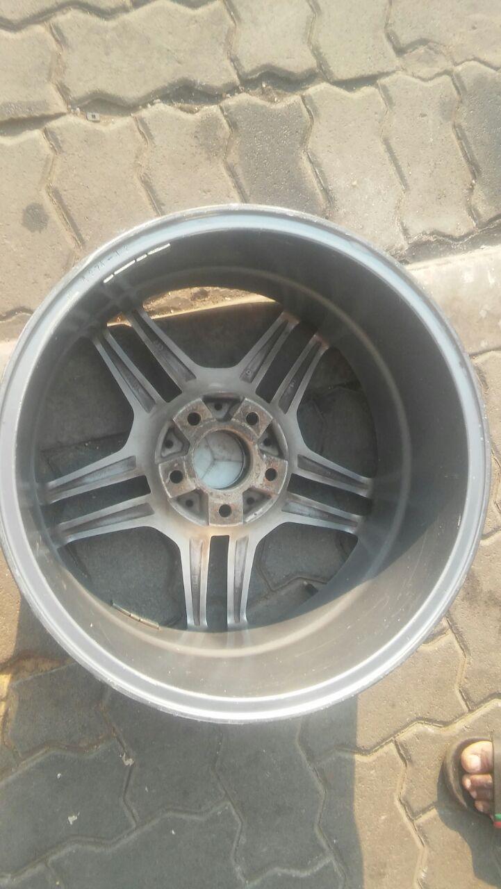 Mercedes benz AMG single mag 17 inch