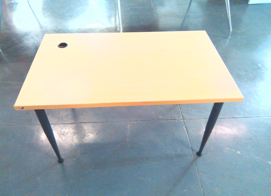 Straight desk beech wood