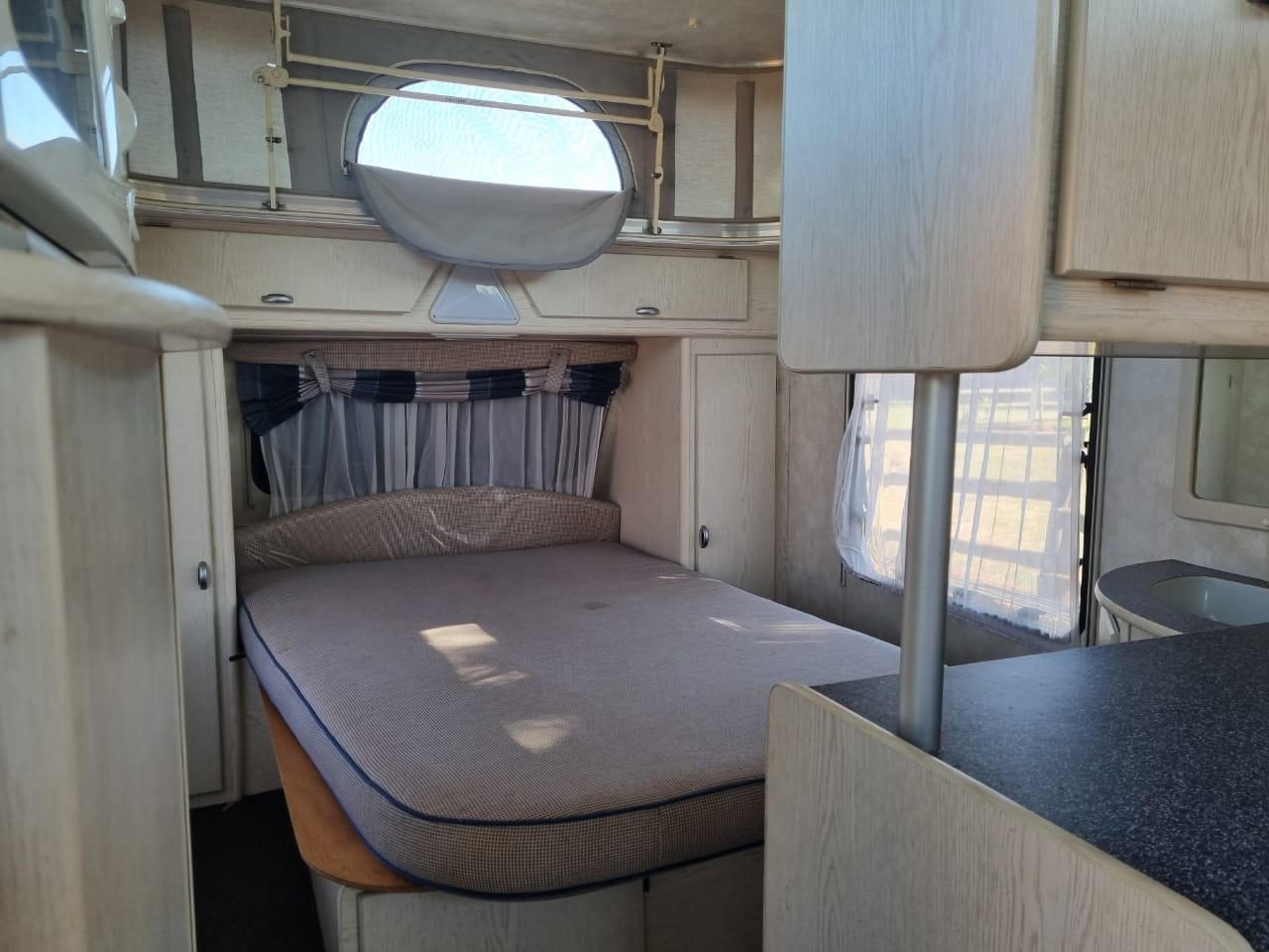 Caravan ,2005 Splash Caravan , full tent, excellant condition!