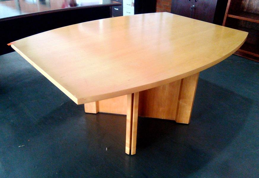 Maple veneer 4-6 seat boardroom able