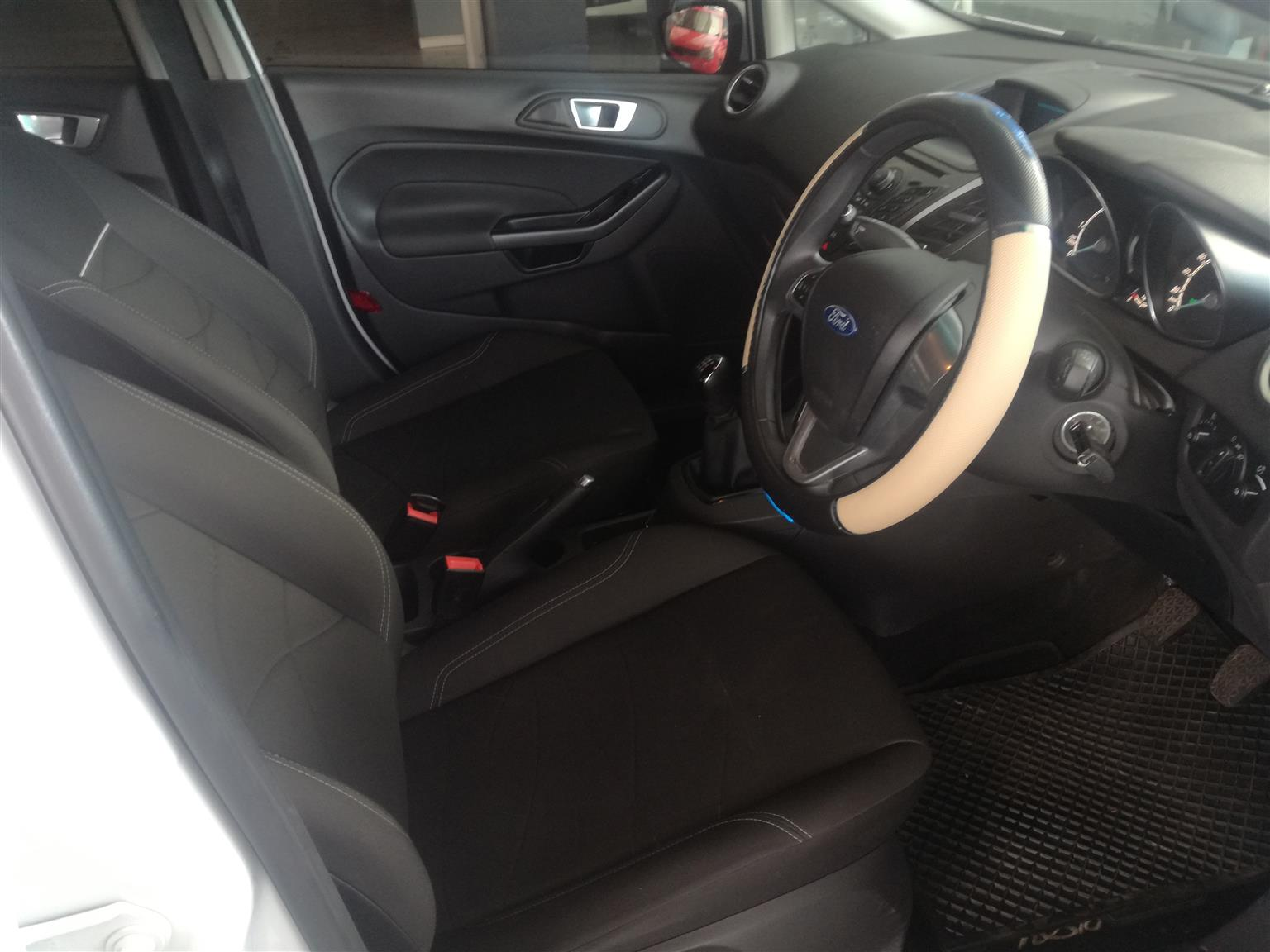 2013 Ford Fiesta 1.6 5 door Ambiente