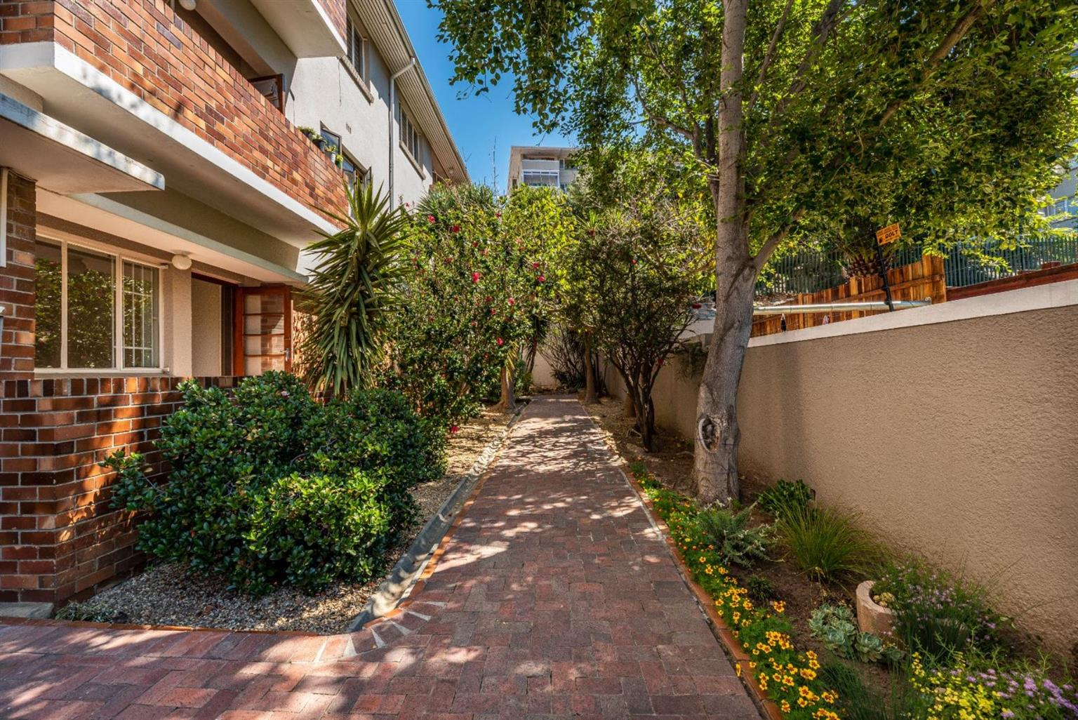 Apartment For Sale in GARDENS
