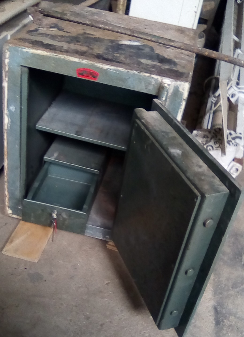 Strong and durable Safe