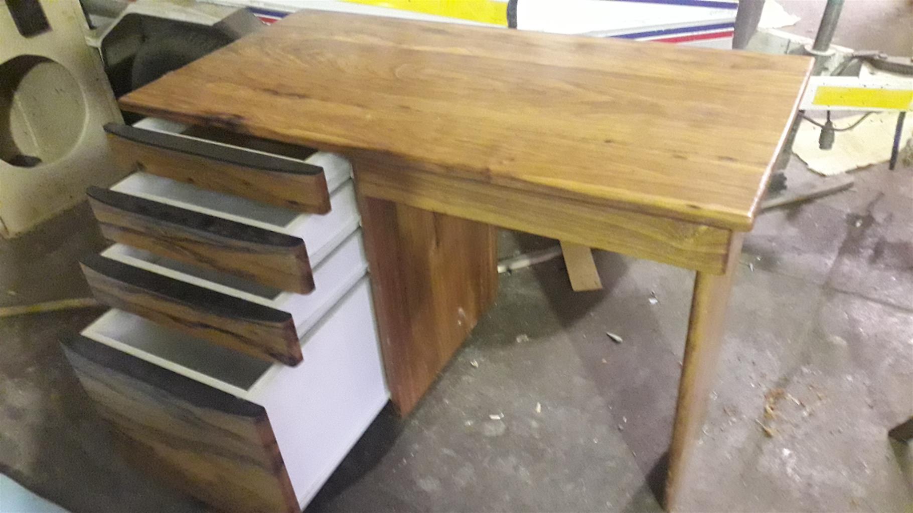 Kiaat Study desk