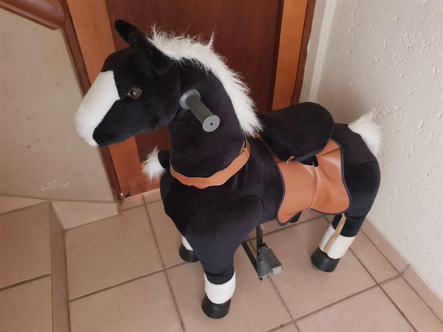 Toy Horse with wheels