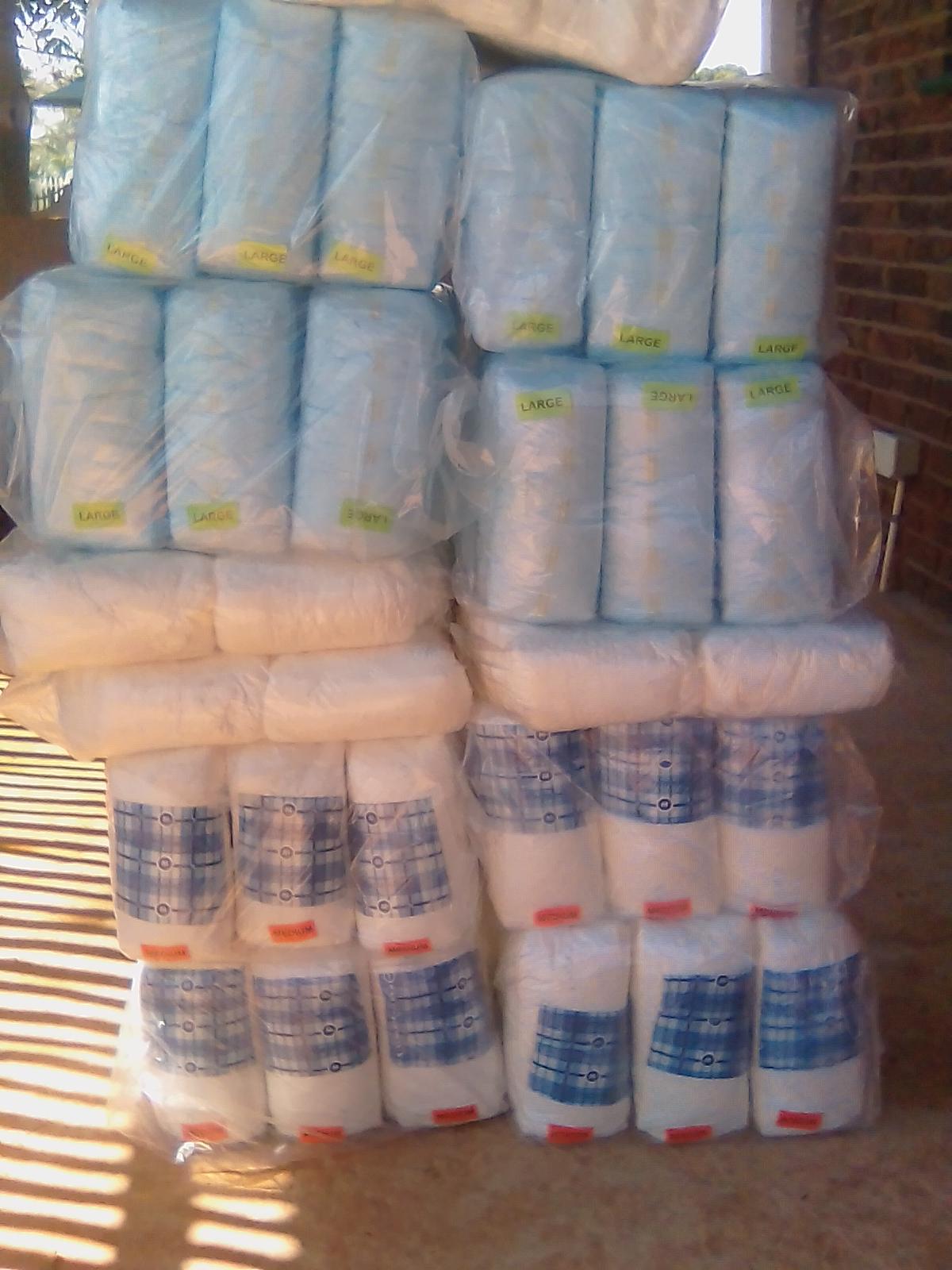 Adult Diapers/Nappies and pullups. Heidelberg, Gauteng. Bulk buyers welcome !!