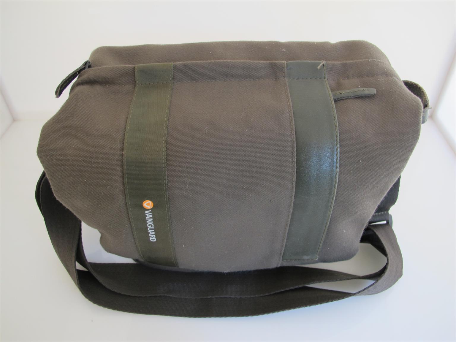 Vanguard Lange Camera shoulder bag LIKE NEW