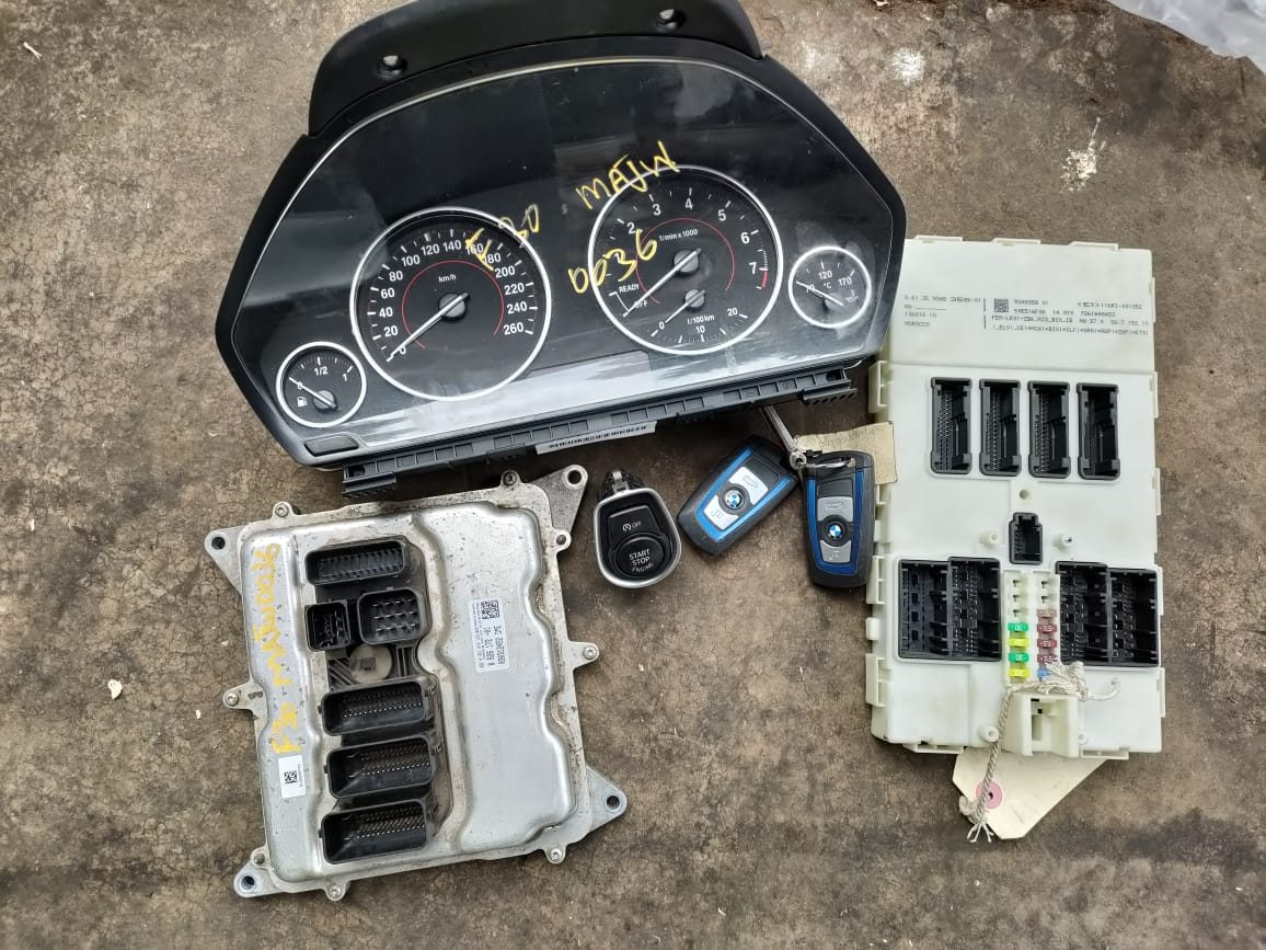 BMW 320i F30 AUTO 2014 LOCKSET