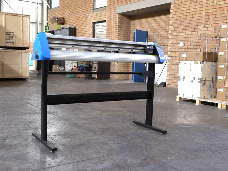 V3-1668B V-Smart Contour Cutting Vinyl Cutter 1660mm Working Area, Stand & Collection