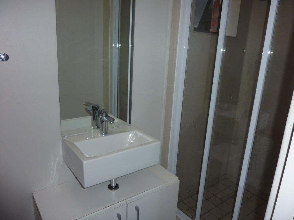 """Observatory-1 Bedroom flat Reduced Rent,pvt garden-coveredparkingbay-pool-24hr security-gym-laundry-""""The Factory"""""""