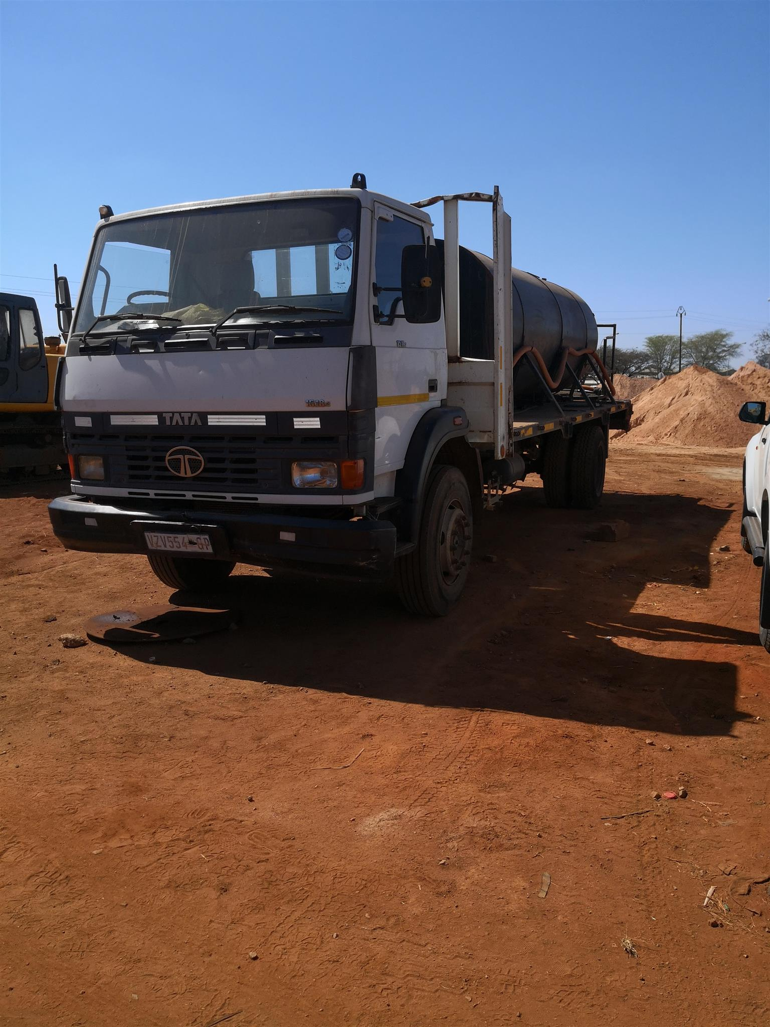 Water tank truck for hire | Junk Mail