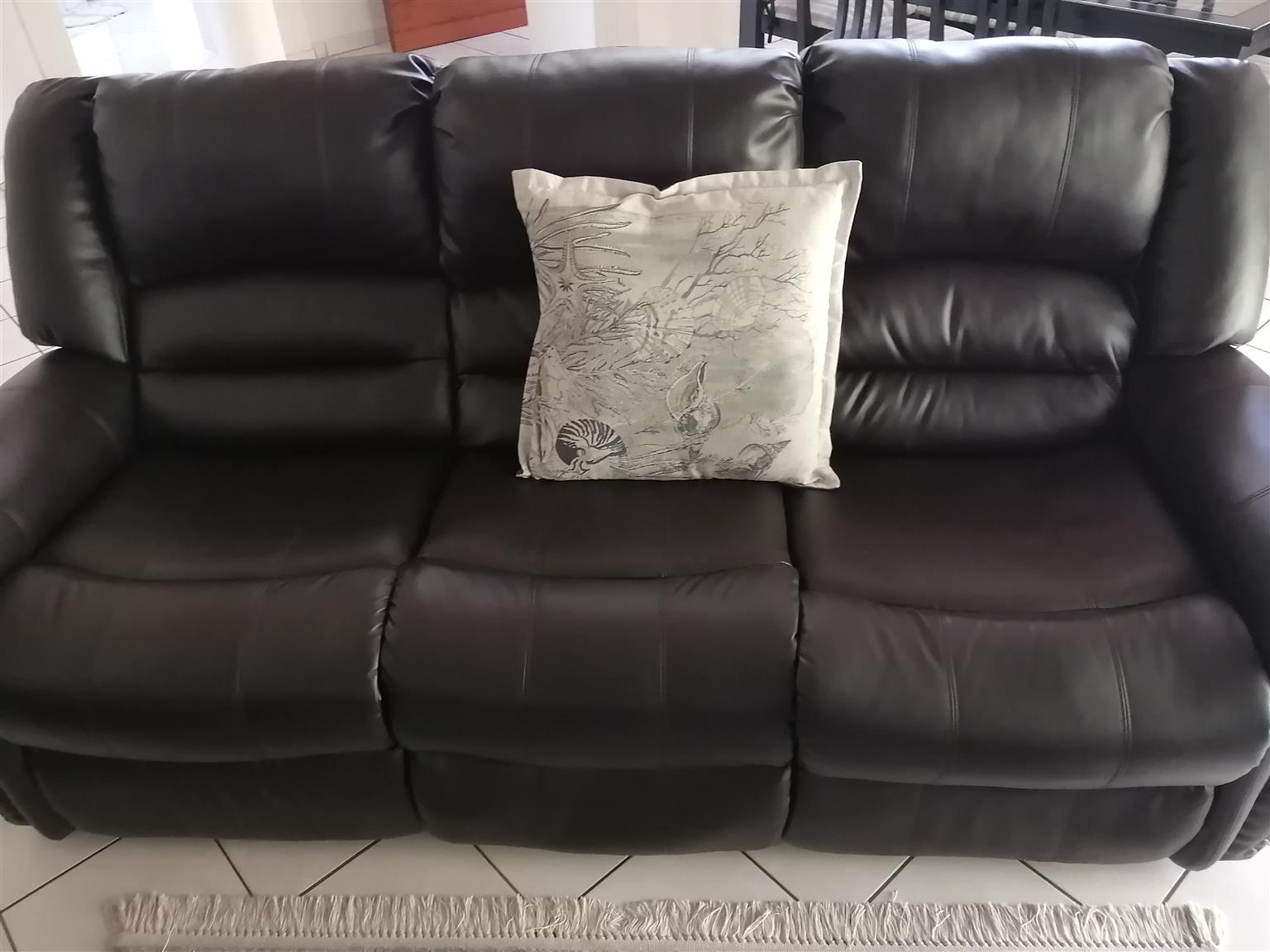 3 x leather lounge suite (5 recliners)