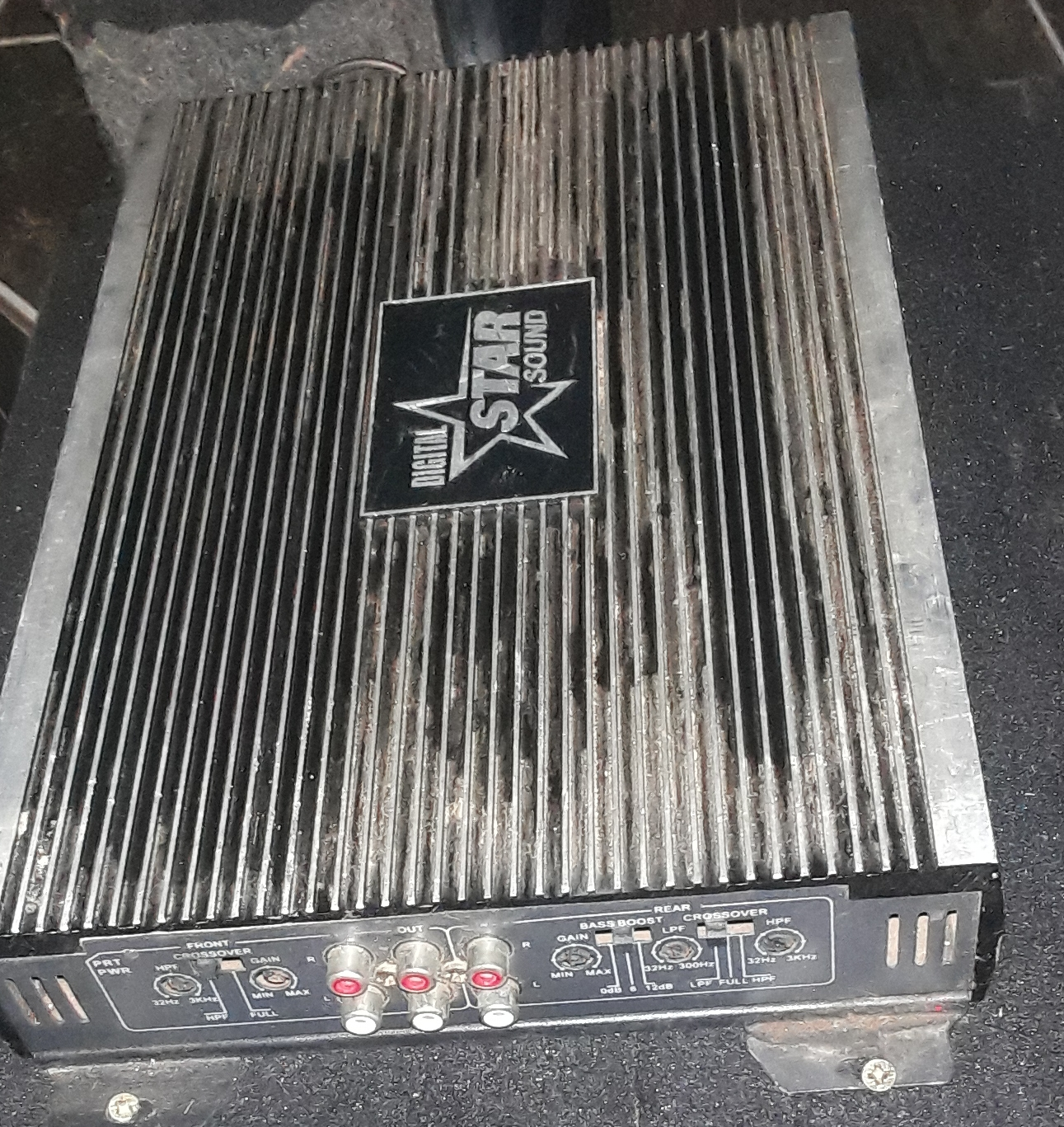 Sub, Amp and 2 x 6 * 9's