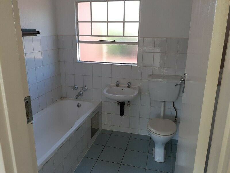 Spacious 3 bedroom 2 bathroom townhouse in Meyersdale Alberton available immediately