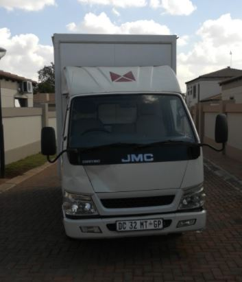 JMC Carrying 2.8 TDI LWB S/CAB VANBODY TRUCK FOR SALE