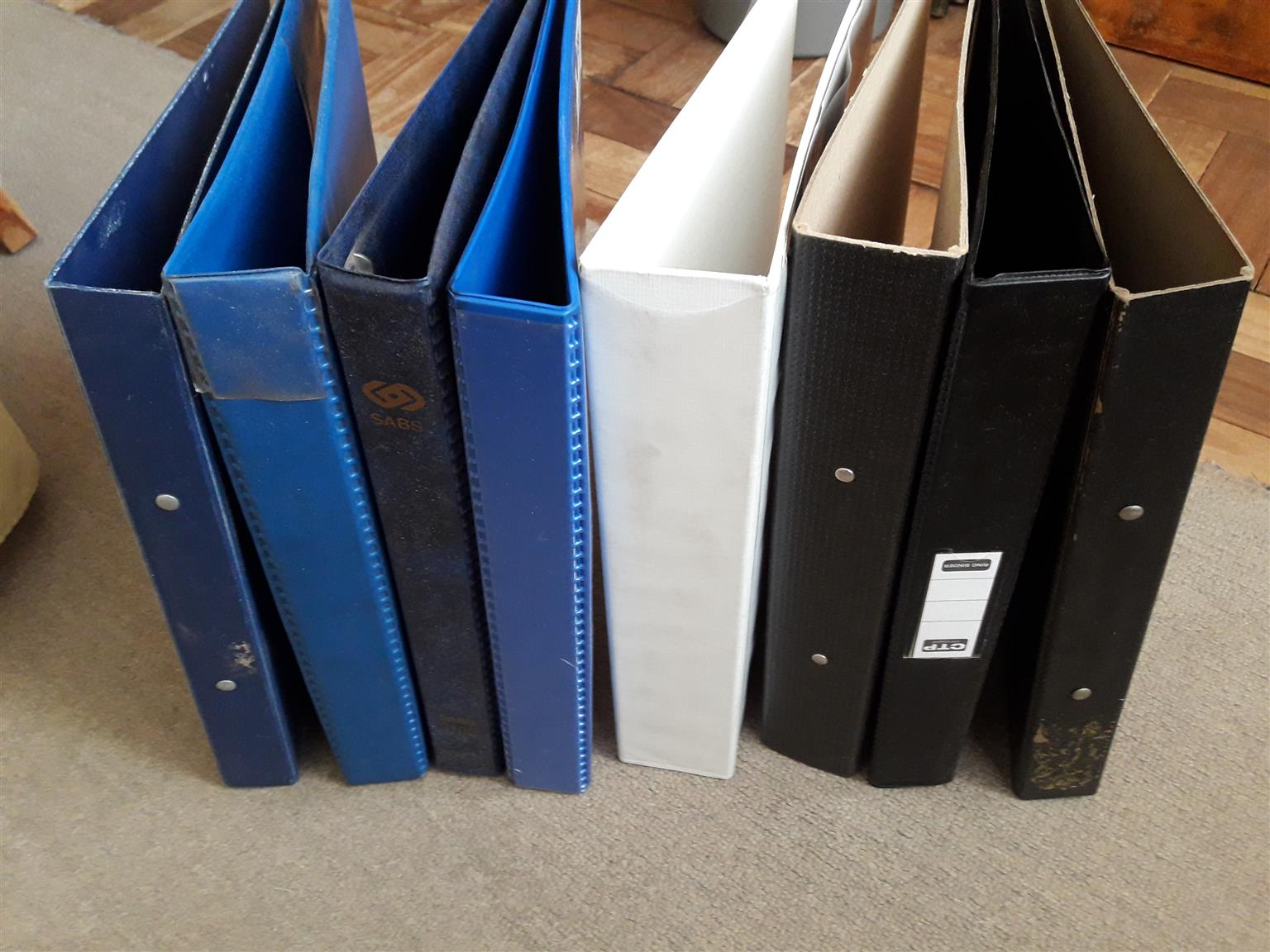 Lever arch and ringbinder files x23