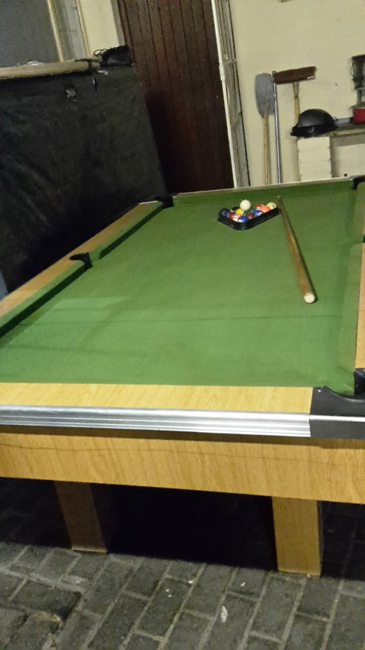 good  condition  pool  table