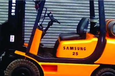 2.5ton Samsung lpgas forklift