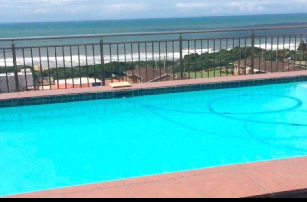 2 bedroom apartment with Seaviews,  a few steps away from the Ocean