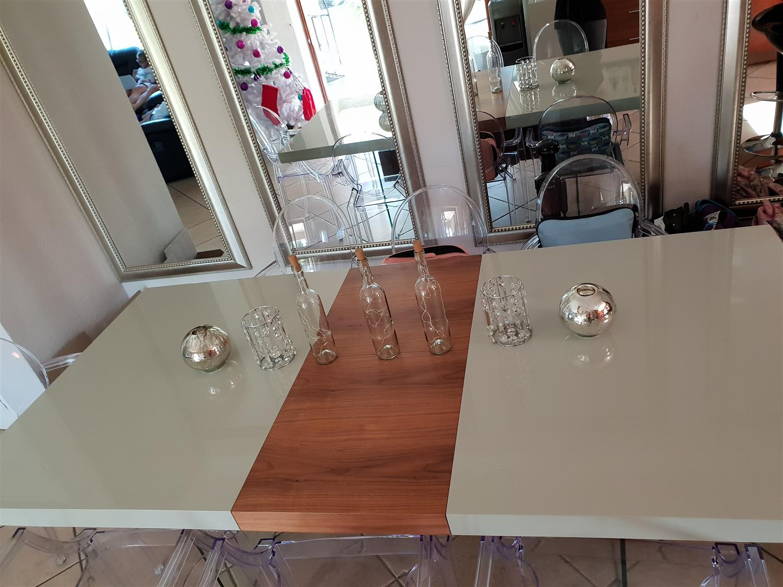 Dining table with server