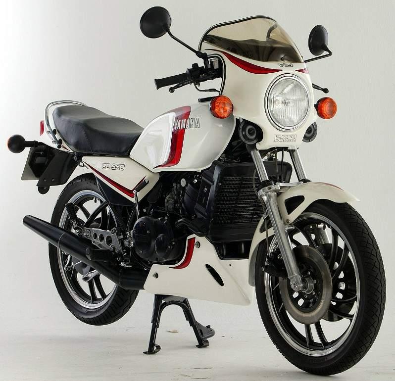 War Eagle Racing Motorcycle Screens and Fairings Yamaha RD350 Top Fairing, Screen and Belly pan.