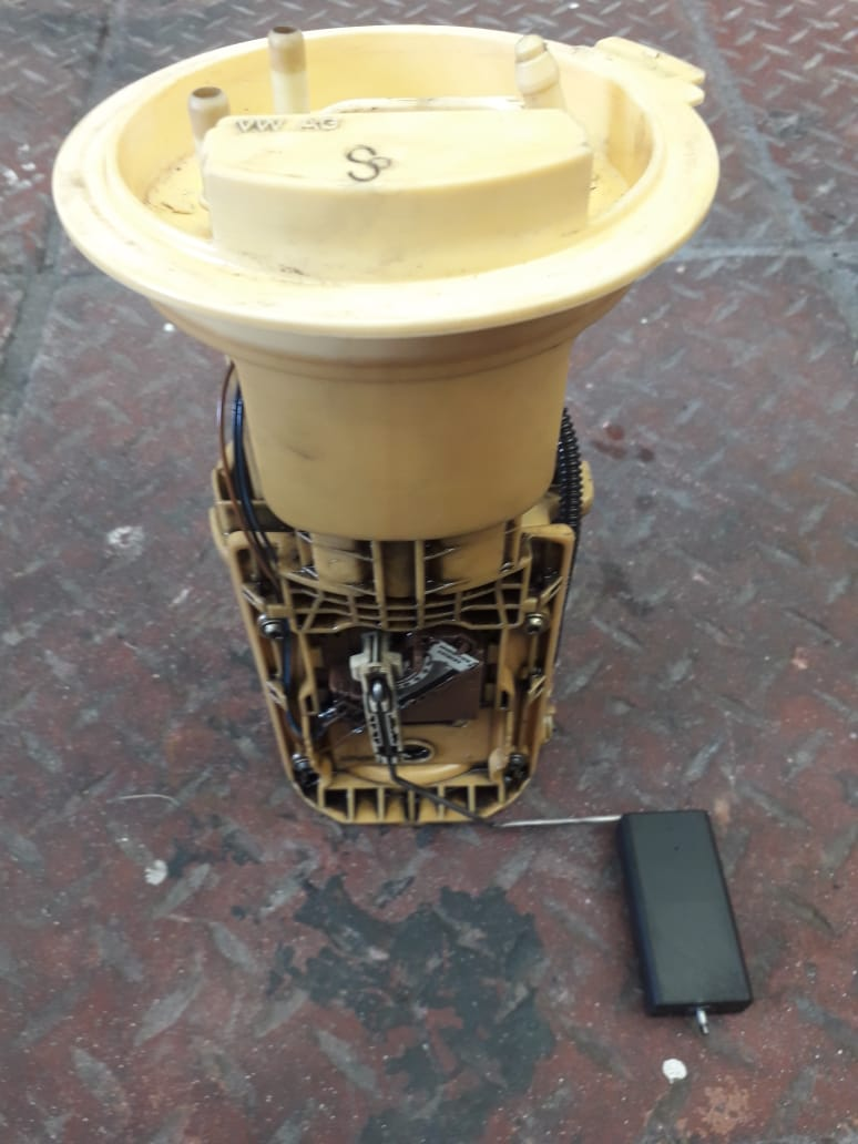 Vw Golf 5 20 Tdi Diesel Fuel Pump With Float Junk Mail