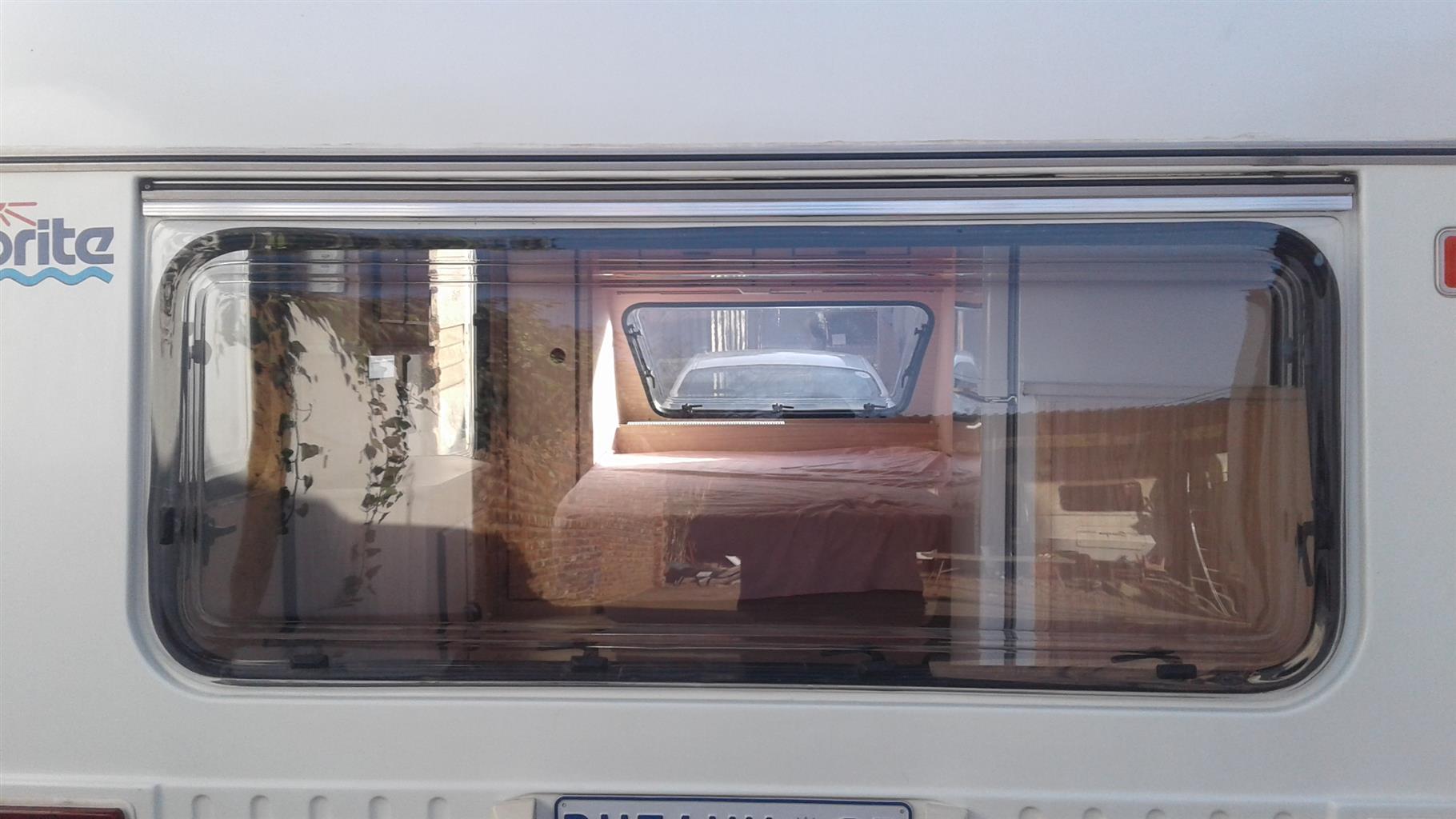 Woonwa ruite / Caravan Windows Ons vervaardig woonwa ruite