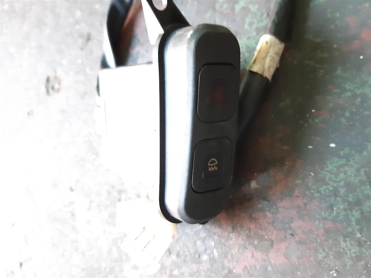 AA13.28 Sym GTS 300 i EVO Hazards switch