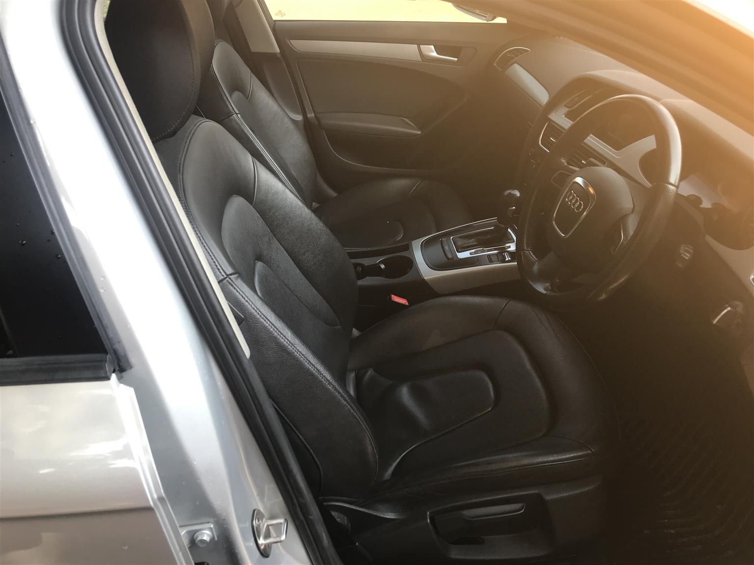 2012 Audi A4 sedan A4 2.0 TDI STRONIC (B9)