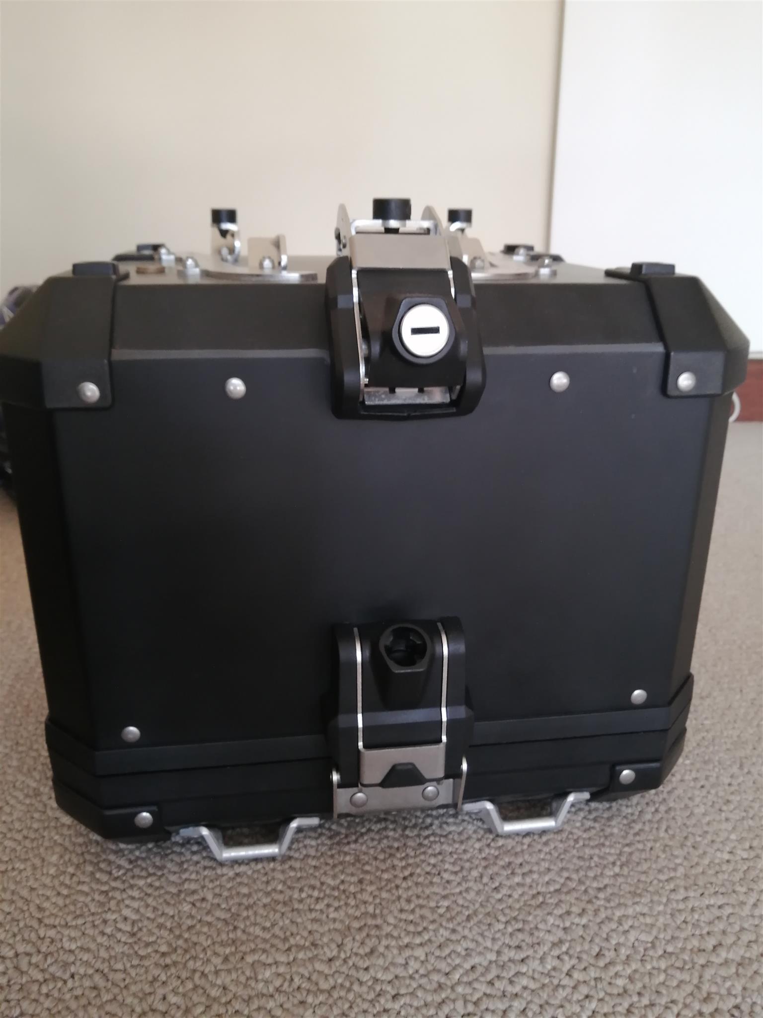 BMW Aluminum top box