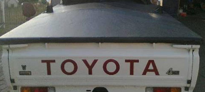 Toyota Land Cruiser tonneau bakkie cover