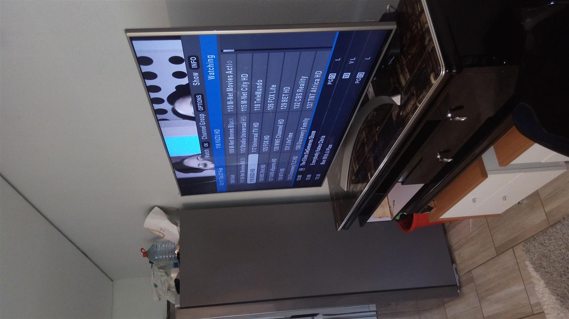 TV 55 inches smart, verry clean