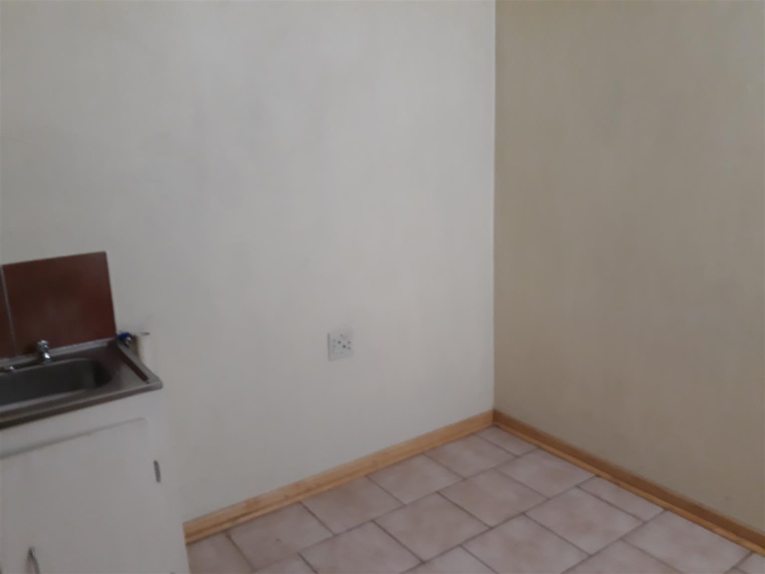 Big one bedroom garden-flat