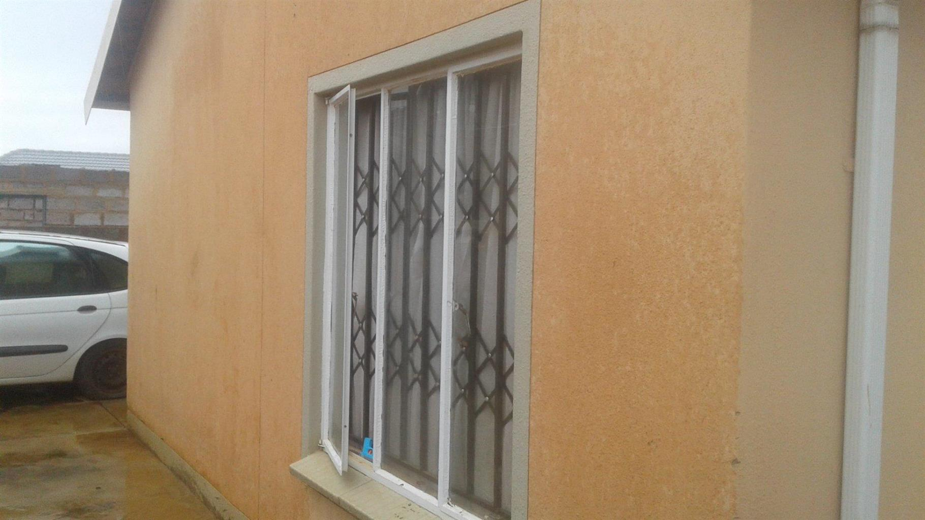 House For Sale in Protea Glen Ext 28