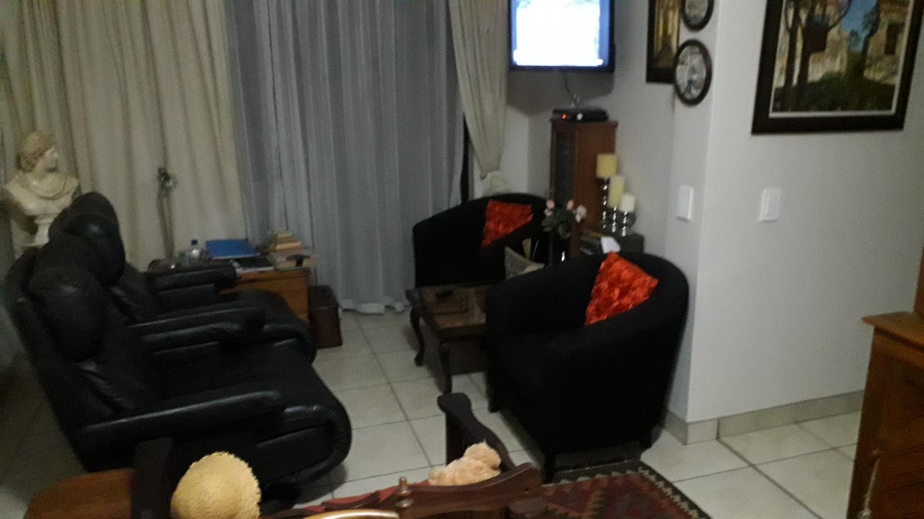 2 bedroom apartment in Eldoraigne