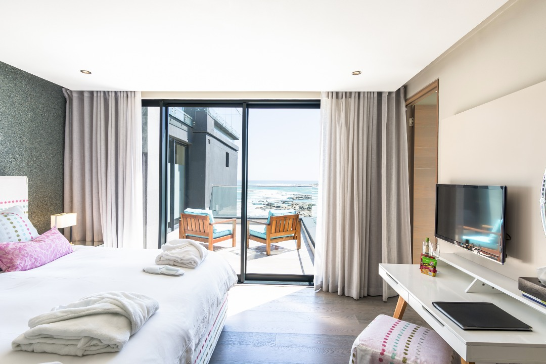 House For Sale in Camps Bay