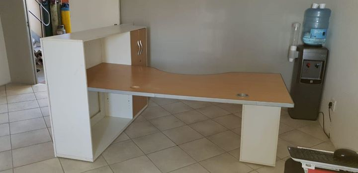 Office Desk still in good condition!