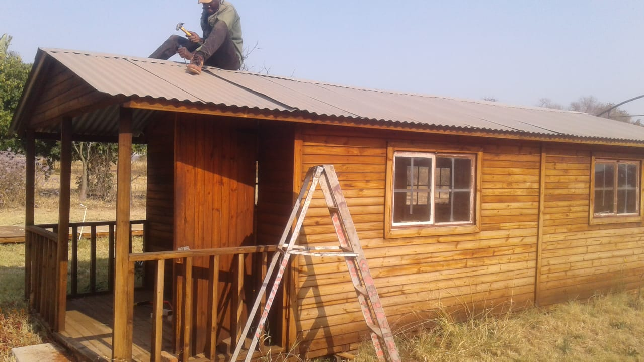Wendy house moving and repair
