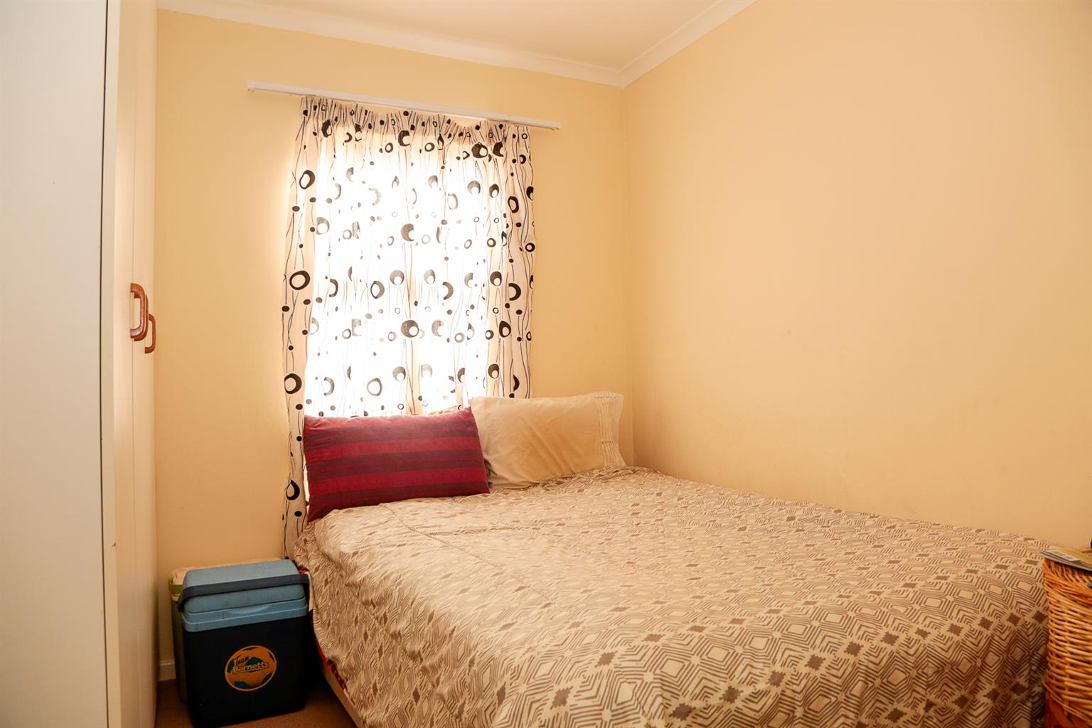 Neat 2 bed apartment in Parklands