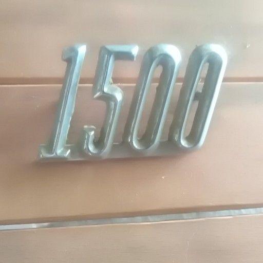 1500 badge