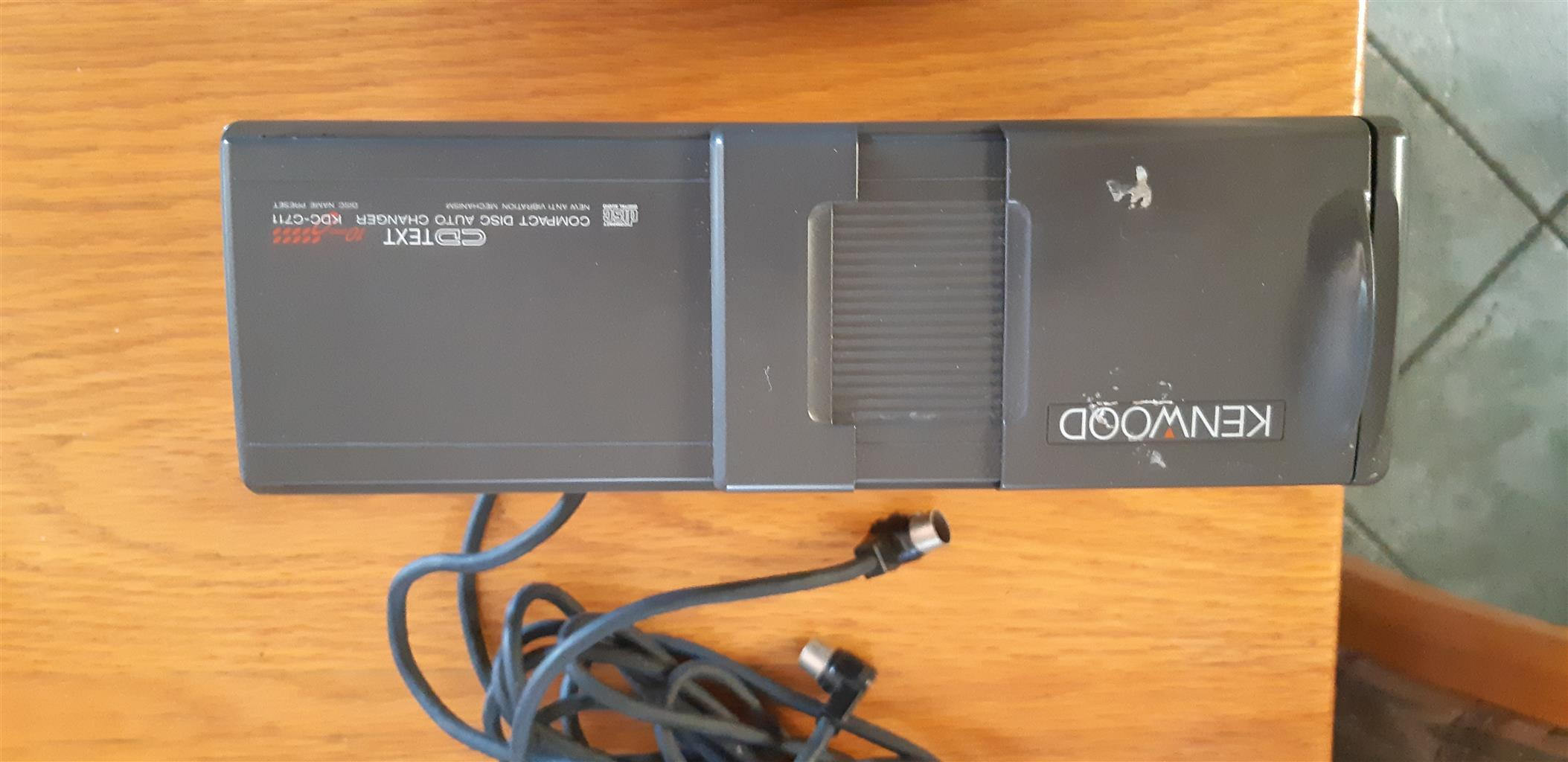 Kenwood Car 10 CD Shuttle - 10 CD Changer + Long Cable to boot of car - Excellent Condition PRICE IS A STEAL!