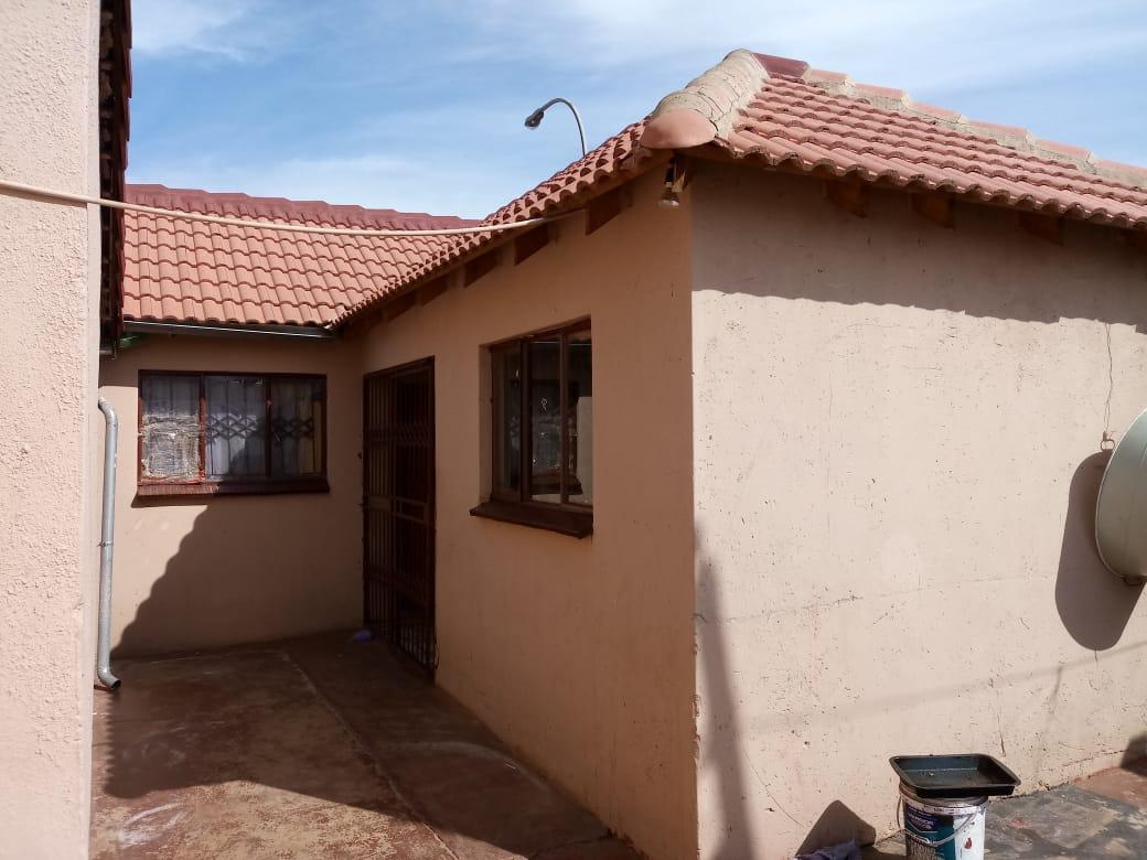 house for sale atteridgeville