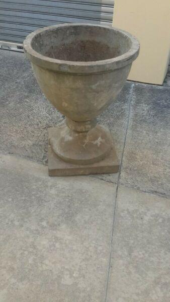 Concrete Garden Pot GLASS SHAPE
