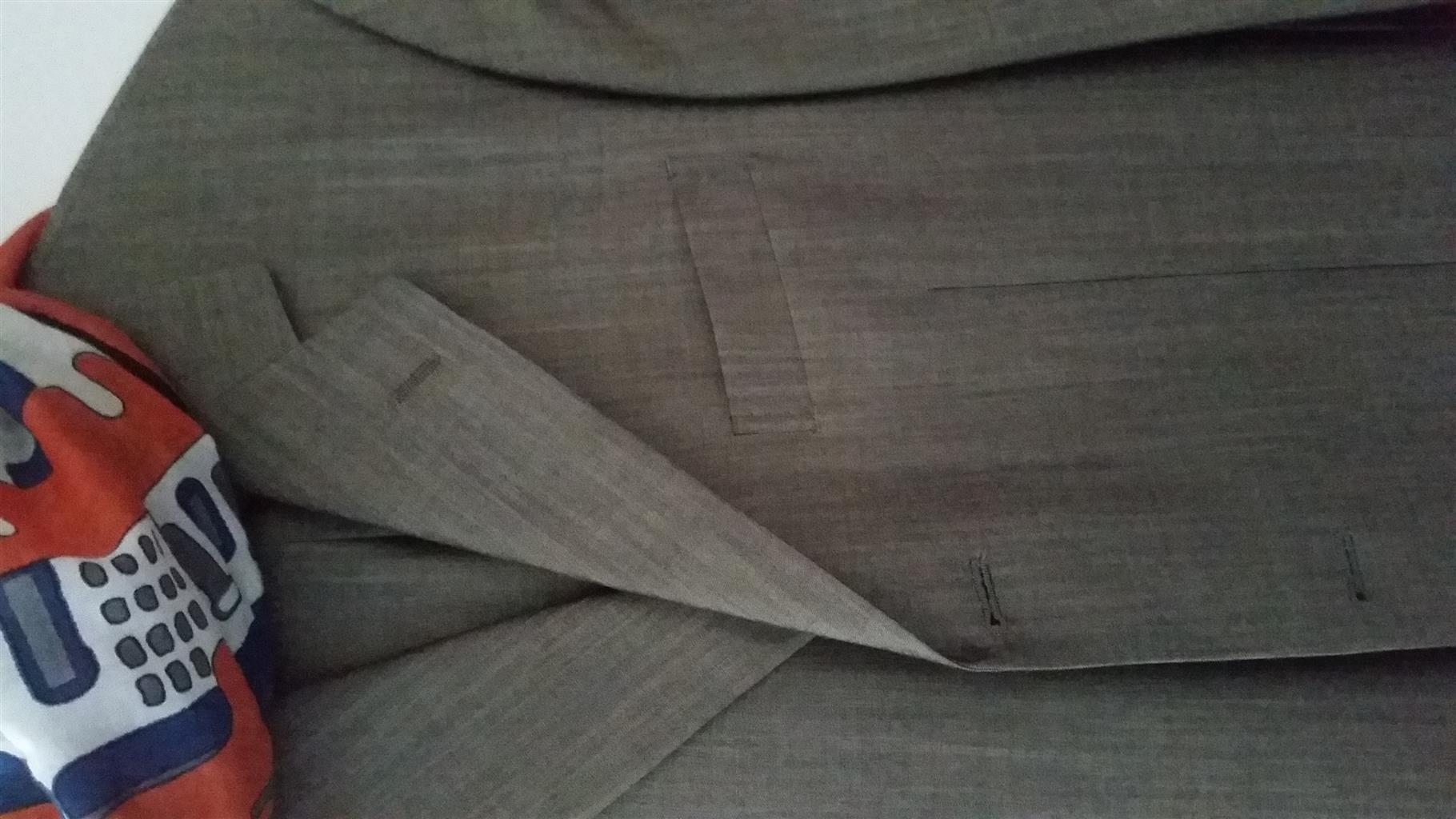 Daniel Hechter Wool and Silk Suit for men