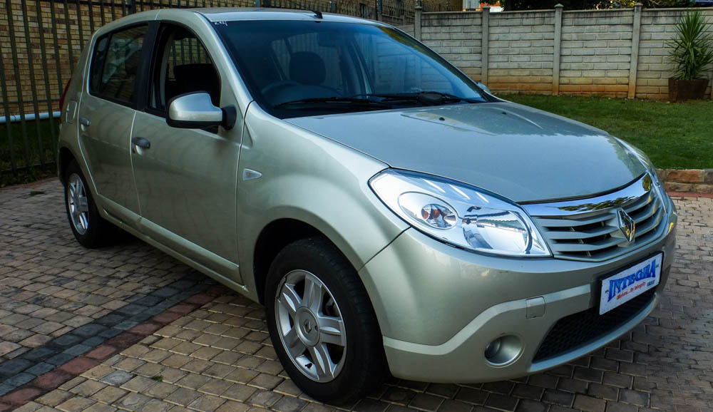 2009 Renault Sandero 16 League Junk Mail